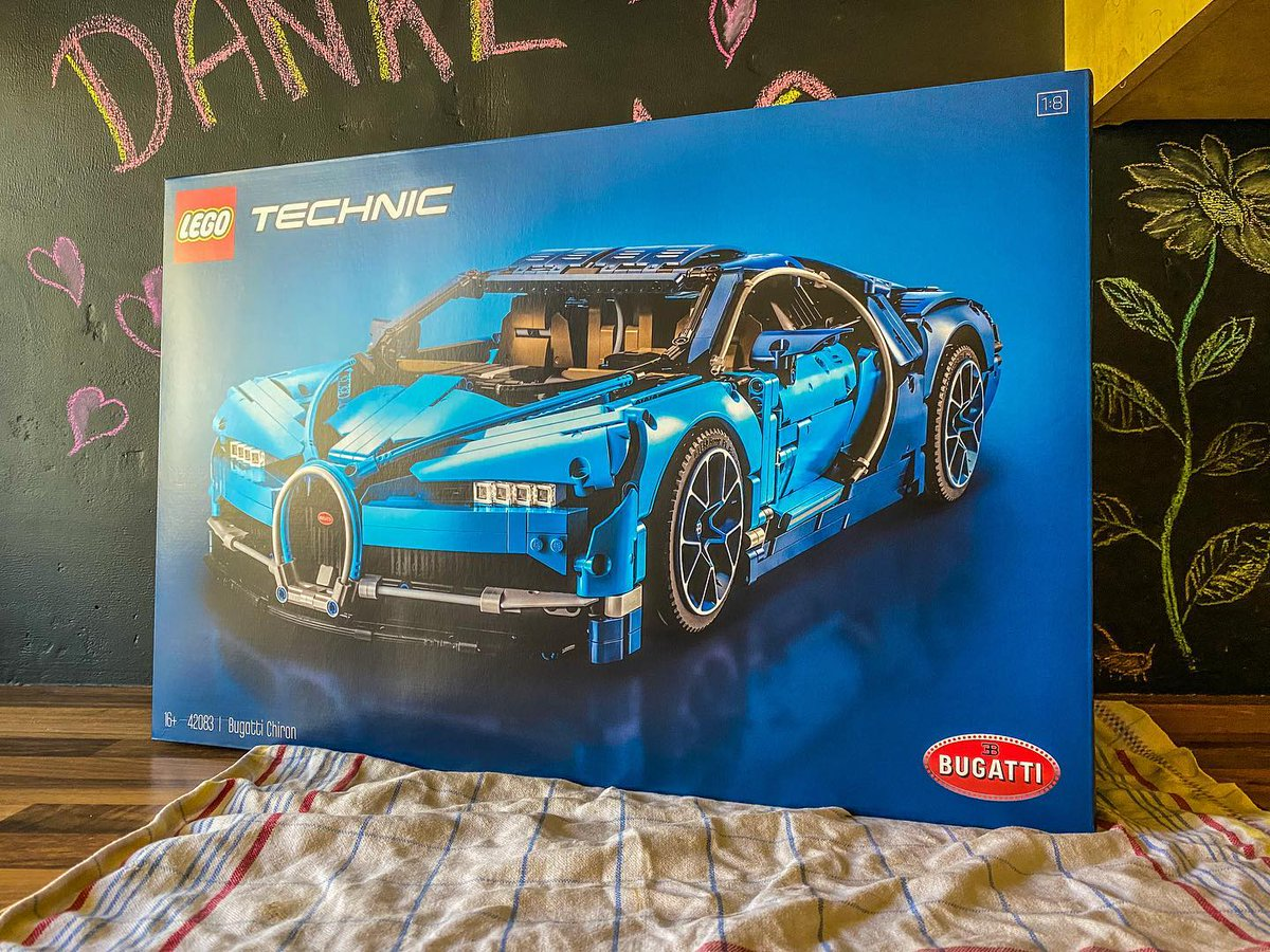 Shall we do a #livestream to build this beautiful #legotechnic #bugattichiron and have some chit-chat / faq? https://t.co/eVJD0PUZu4