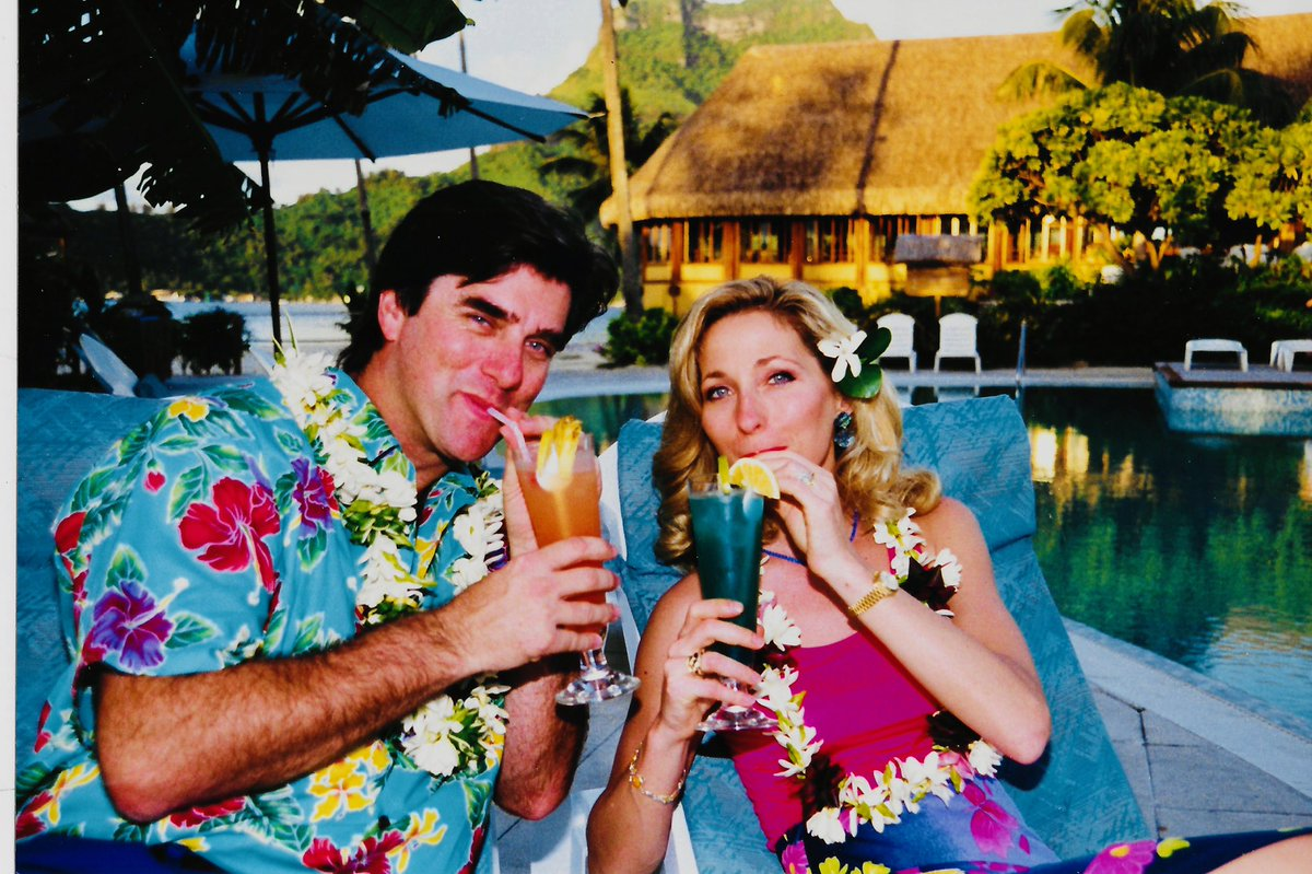 Linda Swain shares why #Tahiti holds its place on her list of favorite destinations for Couples, Celebrations and Families. Added bonus: plenty of Ian & Linda photos that are #couplegoals.  https://t.co/V4hadXH9SX  #FeelGoodFriday #TGIF @TahitiTourism https://t.co/se32mE5DBQ