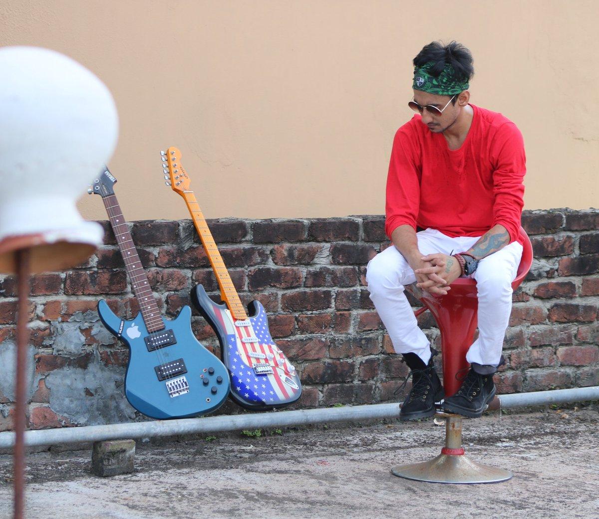 #crissjenner #emoboy #canonphotography #fashiondesigner #hollywood #nikon #canon #bollywoodfashion #bollywood #bollywoodcelebrity #actor #musician #photographer #newyork #actress #photography #photoshoot #bollywoodactress #bollywoodlife #udaipurtripura #mumbai #agartalapic.twitter.com/y6TaLQHHf8
