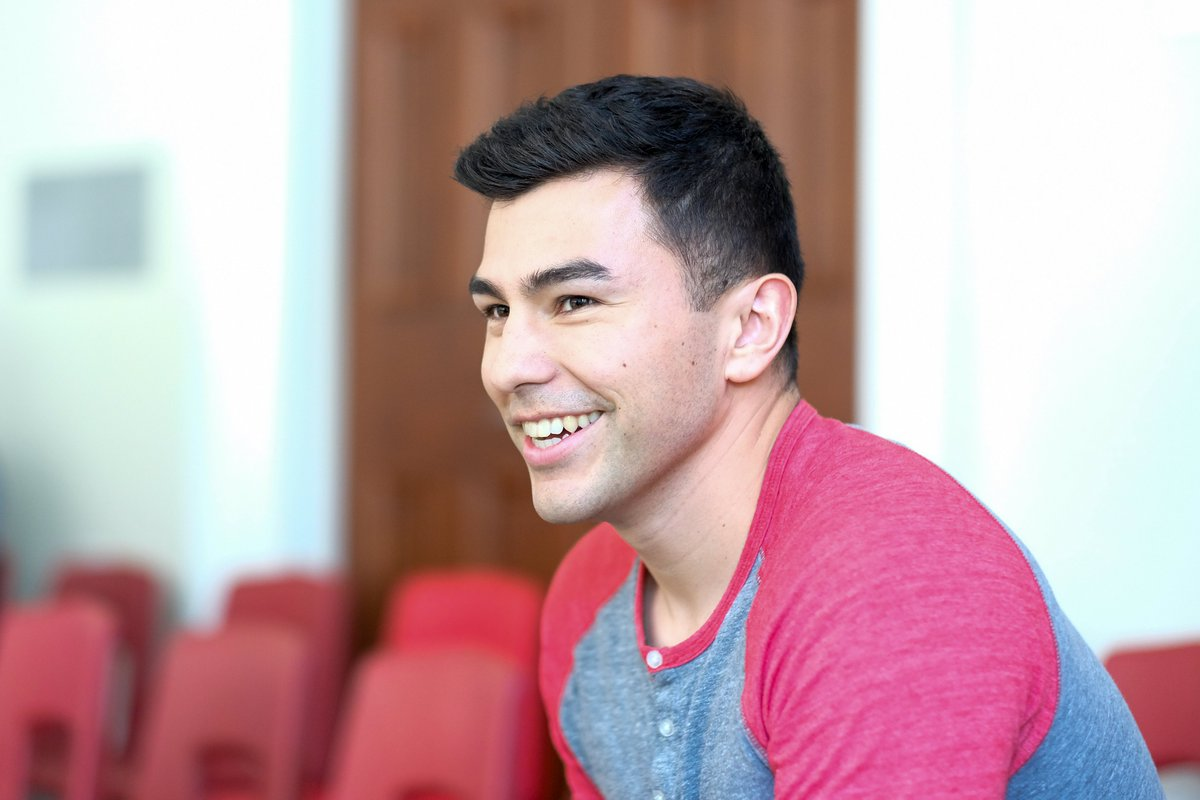 #CanadaDay is *complicated* for #INDIGENOUS folks so instead we are celebrating some of the AMAZING @utorontoilsa students & alum. When he graduated in 2019 Josh Favel was awarded a @UofT Leadership Award and the @UTLaw Dean's Key!! On Day 5 we celebrate Josh! https://t.co/j9sVifewz2