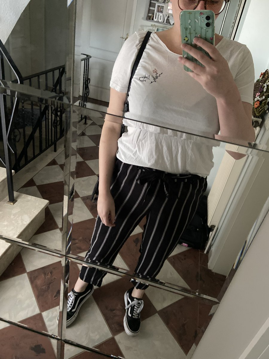 Ungebügeltes #OOTD pic.twitter.com/GiXFlzpGY8  by amazing ace ✨