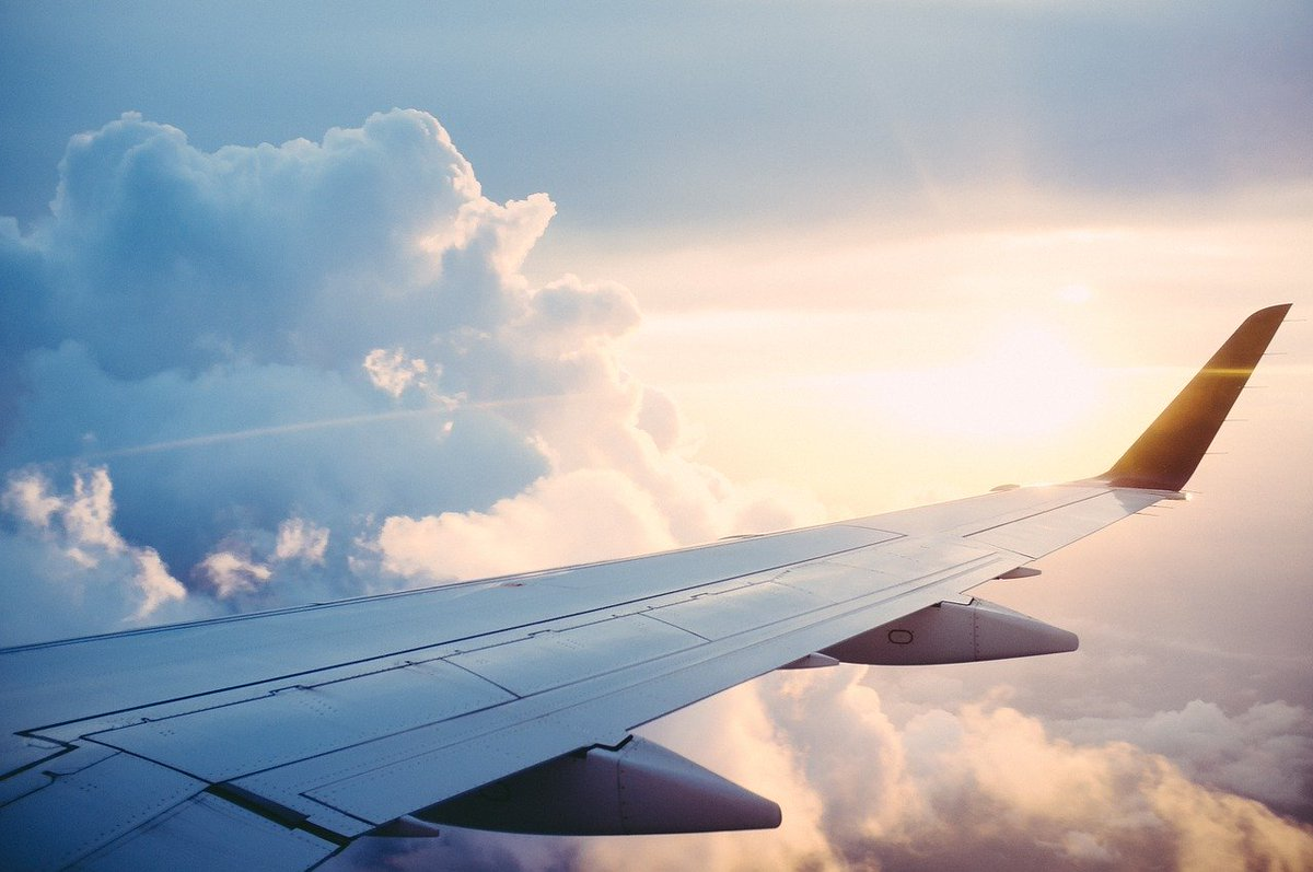 Flights from the US to #Italy are back on - but will you be allowed to board? most likely not. https://italy4real.com/coronavirus-live-updates-from-italy/… #jetsetfam  #flysomewherenew  #travelshoplife  #lifewelltraveled  #thebestdestinations  #luxlife  #luxurytravel #visitItaly #firstclasstravel #Italy4Realpic.twitter.com/oU6SZ7YVTJ