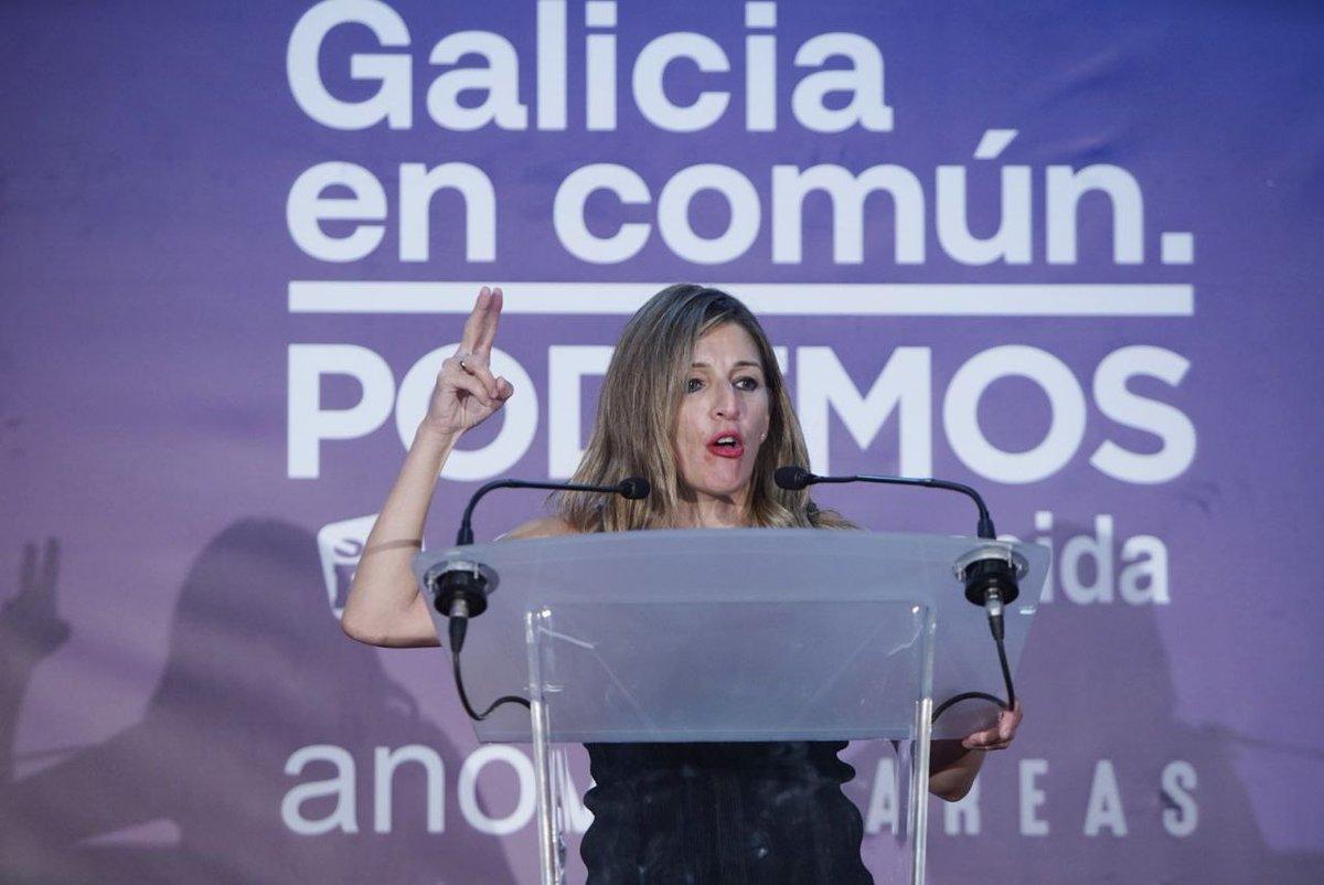 Orgullo de ministra galega @Yolanda_Diaz_ ✊🏼 Os recursos publicos teñen que ir dirixidos ao que é de todos e todas. Demostramos que se podían prohibir os desafiuzamentos nesta crise Hoxe en #Ourense tamén se sinte que #ÉoMomento!