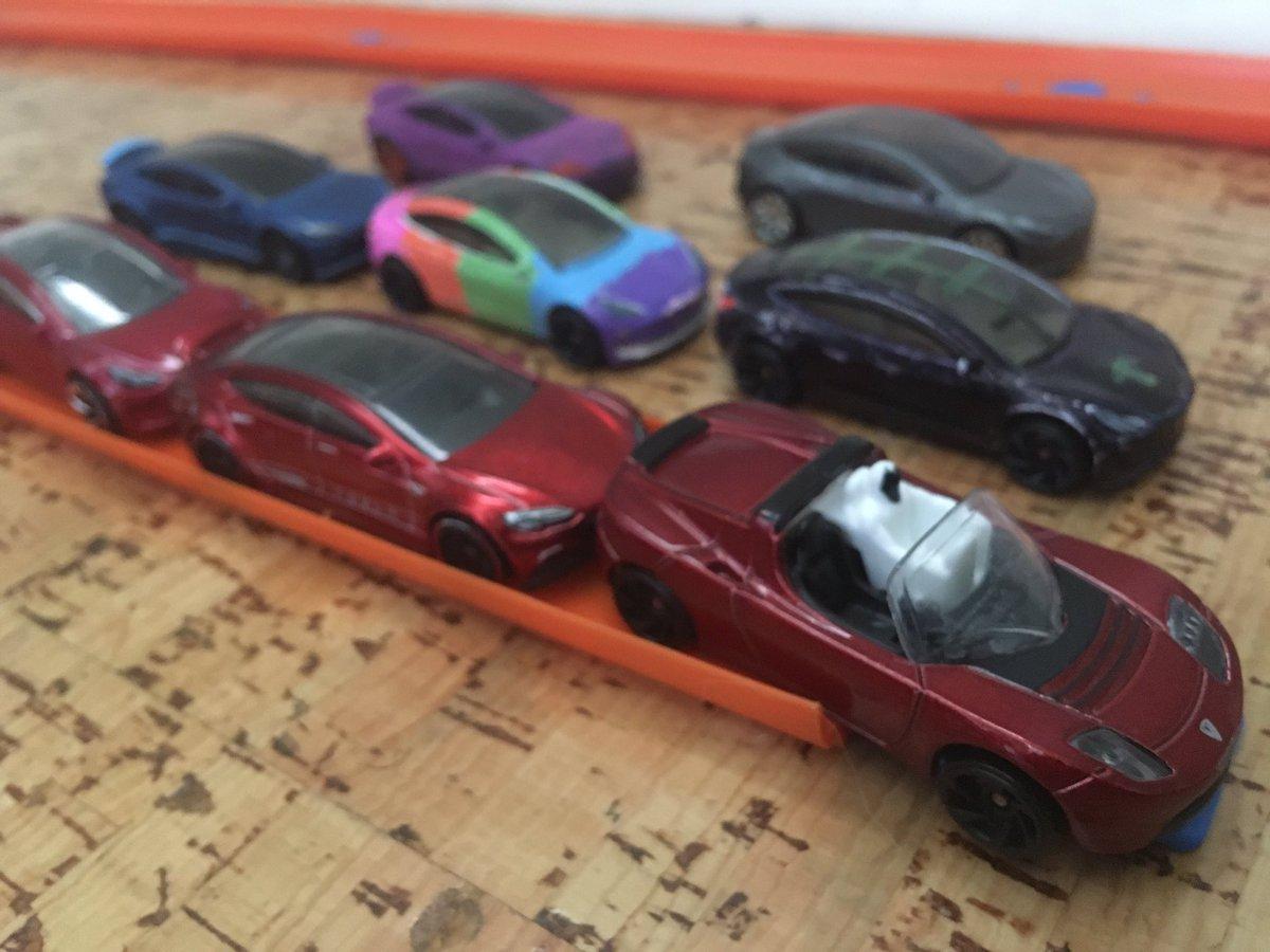 Hotwheels raceday. 90 degrees outside. Track temp 105. pic.twitter.com/sAKOcLqdC0  by Tesla Fudge