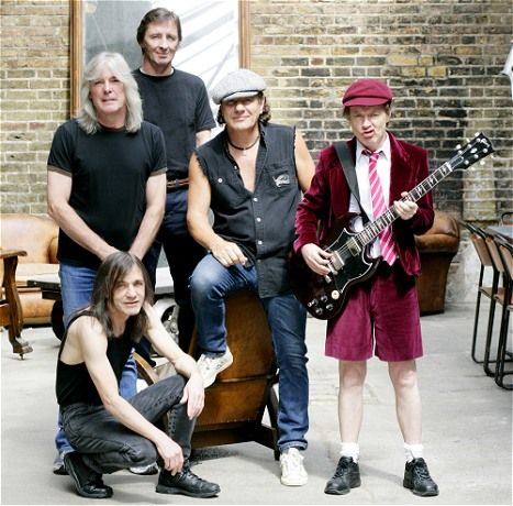 AC/DC OR Black Sabbath? #ACDC #BlackSabbath  https:// returnofrock.com/black-sabbath- albums-ranked/  … <br>http://pic.twitter.com/sJ1kWWfrgK