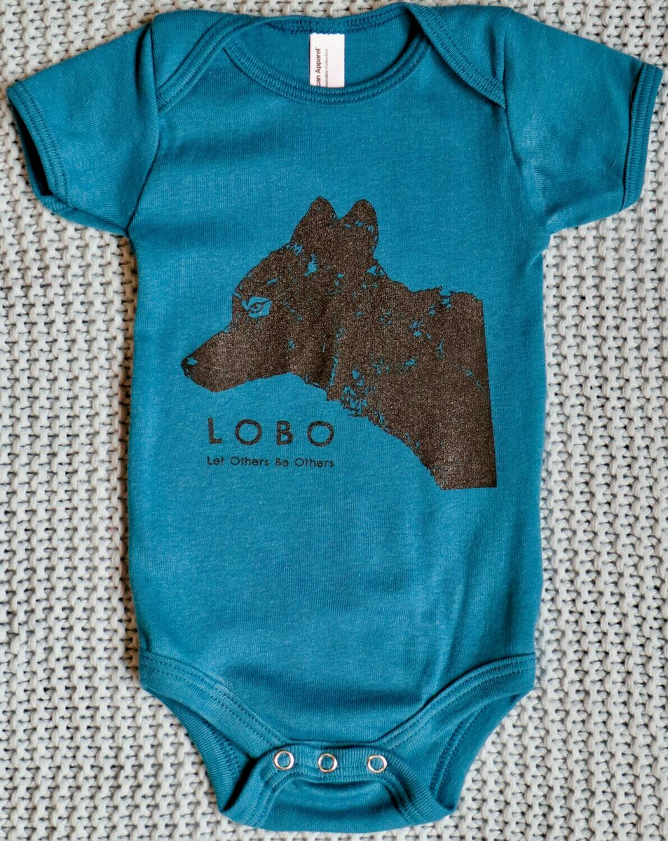 Check out this super cute blue onesie :) in our Wolf Shop: https://bit.ly/3gtwcrj #babygifts #wolves #conservation pic.twitter.com/E7vAuDbR0y