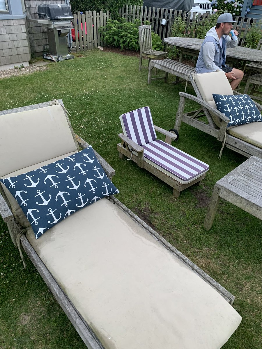 So nice of Nantucket to leave a chair for @johngaudreau03