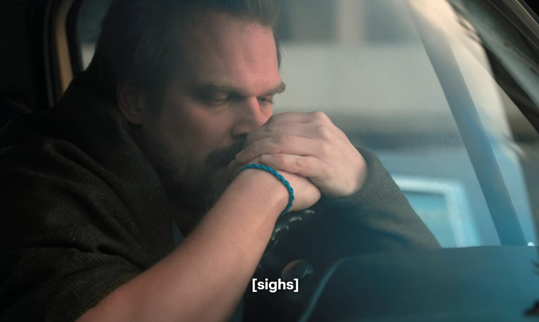 Did you know that Hopper gave Eleven his bracelet after he adopted her? He had it even before Sara passed away  #StrangerThings #StrangerThings3 <br>http://pic.twitter.com/kHLhRNv4Rw
