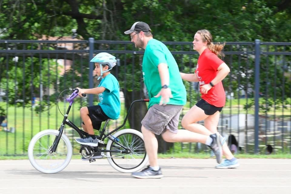 iCan Bike Volunteers Needed   15 volunteer spotters are needed July 13th - 17th during sessions 3 and 4 for iCan Bike. For more info or to sign-up, contact Terri Steinman, Volunteer Coordinator, at 785.272.4060 or tsteinman@capper.org. #ShineOn #volunteers<br>http://pic.twitter.com/Qe33IOfLmF