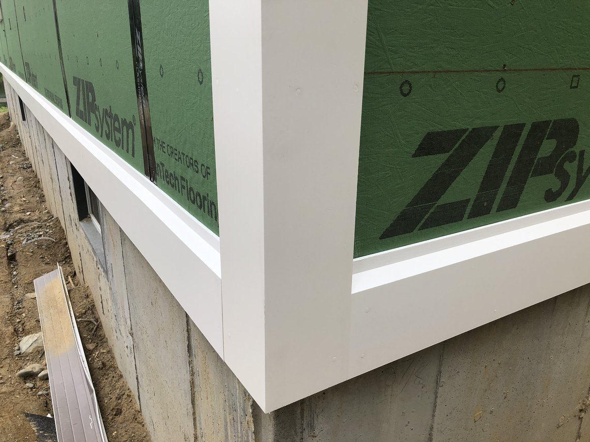 Beautiful Versatex 5/4 PVC Window Trim, Pre-Formed Corners, Skirt Boards and Vented Soffits installed w/Cortex Screws & Plugs. This project is going to look great once James Hardie Siding is installed. @NationalLumber @Versatex @James_Hardie @AndersenWindows @HuberWood pic.twitter.com/DDNI9dvkjU