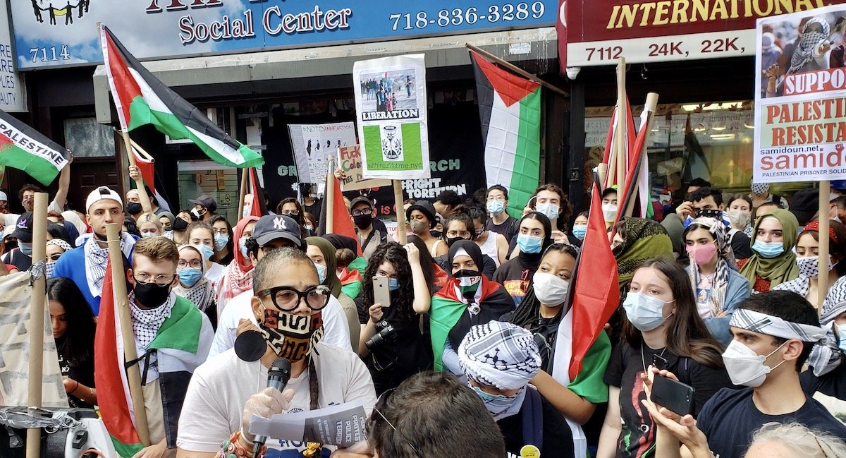 A tale of two protests in Bay Ridge, Brooklyn.  One, with masks out of love for each other, New York's elders and vulnerable, and against a formal annexation of more Palestinian land and lives.  Another..... https://t.co/IPri9DuuMu