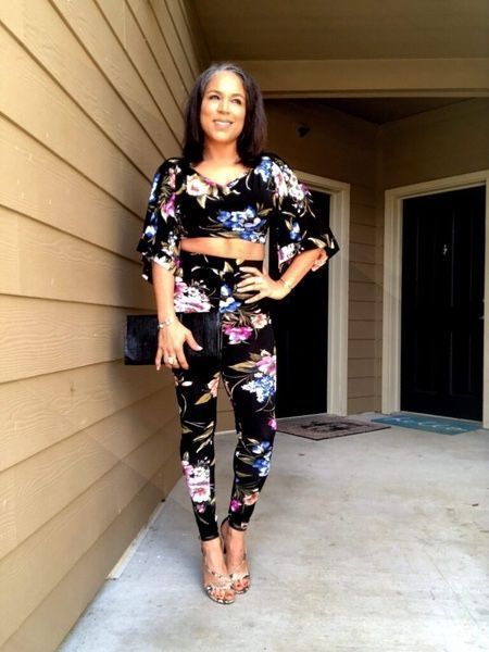 Date Night Look: Black Floral Set | Holly Lowe Jones http://hollylowejones.com/2019/12/date-night-look-black-floral-set.html … #styleoftheday pic.twitter.com/9l5rTsnN80