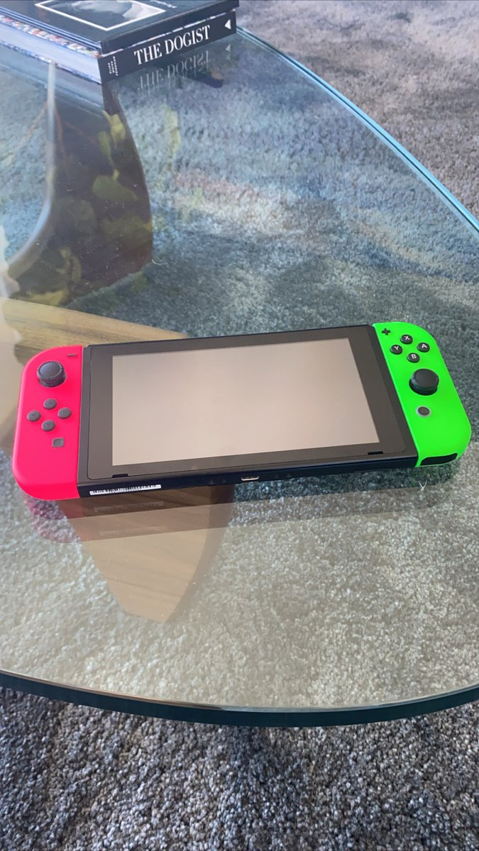 "After my joycons went full ""Tokyo Drift"" mode, I had to got new ones... And these colors are so so cool! https://t.co/6hsZn0pM3M"