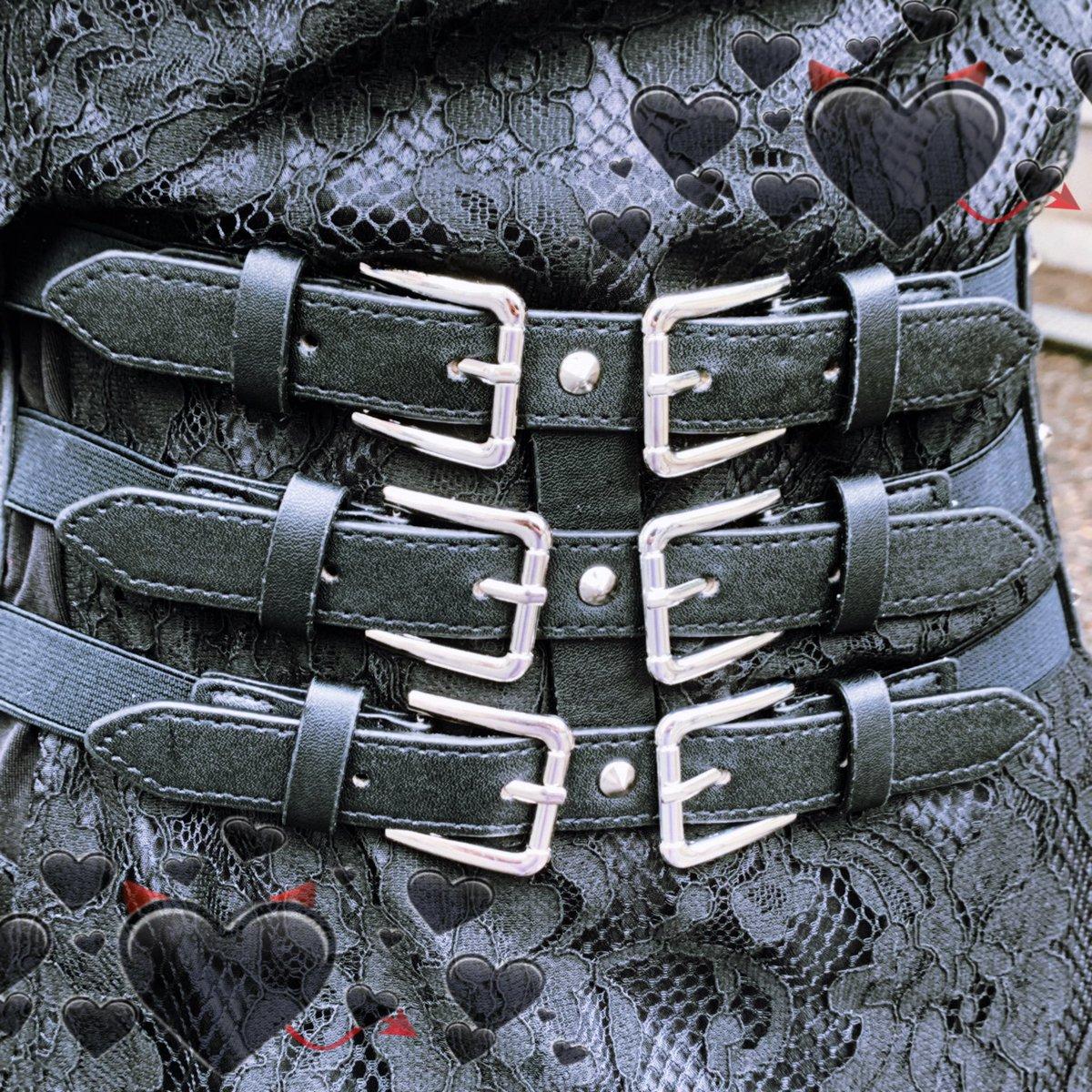 . トリプルバックルベルト . . . price▷¥1,650(税込) . \WEBサイト掲載中/ その他にも多数商品掲載しておりますので是非Webショップもご覧になられて下さい . #mocha #tokyo #koenji #ootd #outfit #kawaii #instafashion #instagood #instalike #kawaii #dailylook pic.twitter.com/KWiQIJBkHp