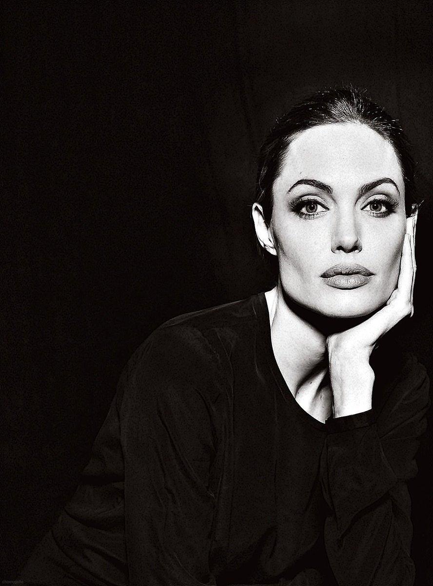 Angelina Jolie by © Annie Leibowitz #photo