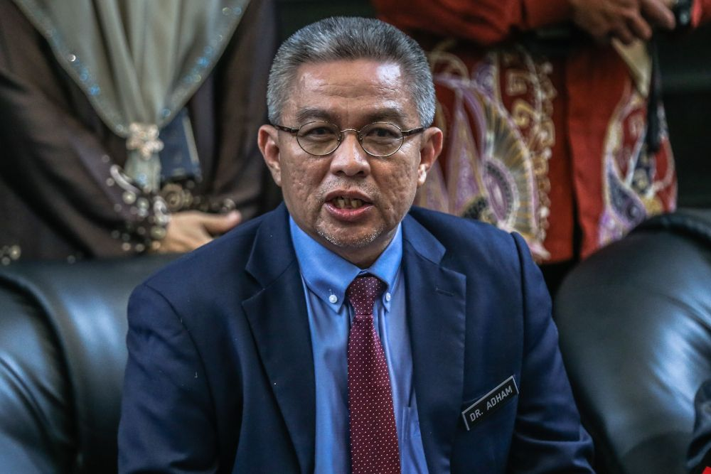 Retiree fined RM2,000 for posting insulting remarks against health minister @DrAdhamBaba https://t.co/S4ijhneeCv  This comes even as the judge said the criticisms were not overboard or malicious in nature. https://t.co/20LUndmxzF