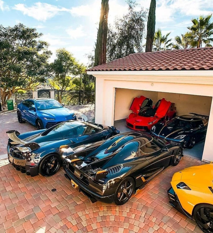 driveway goals: pic.twitter.com/PCExRxUEOp  by Bill.