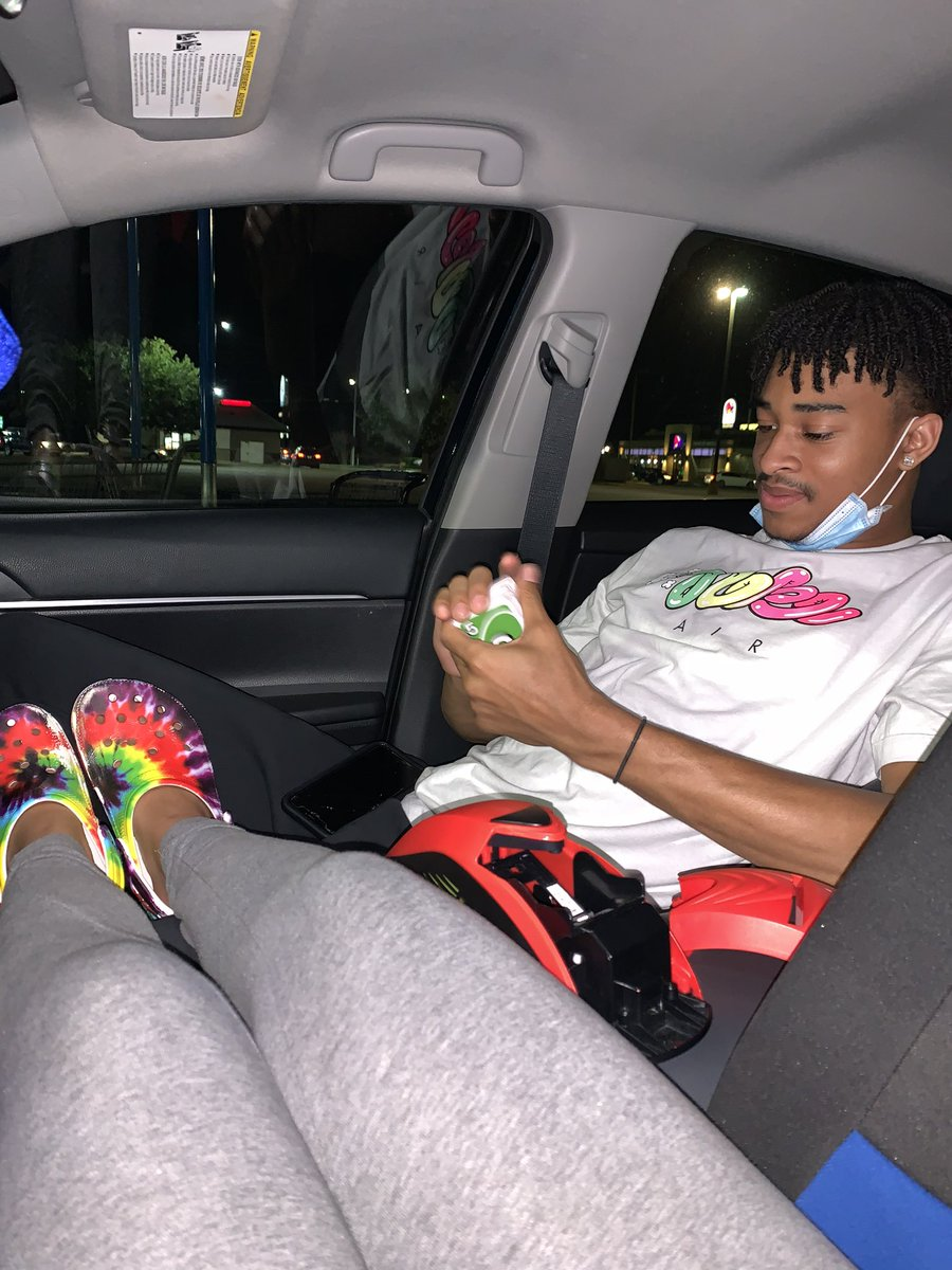 When I say parked car conversation and chill, this what I mean