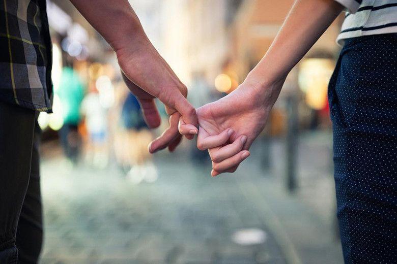 新しい恋愛のカタチを模索する、フランスの若者たち。 https://t.co/lwlpYbrbnv https://t.co/5RvwltOXPX