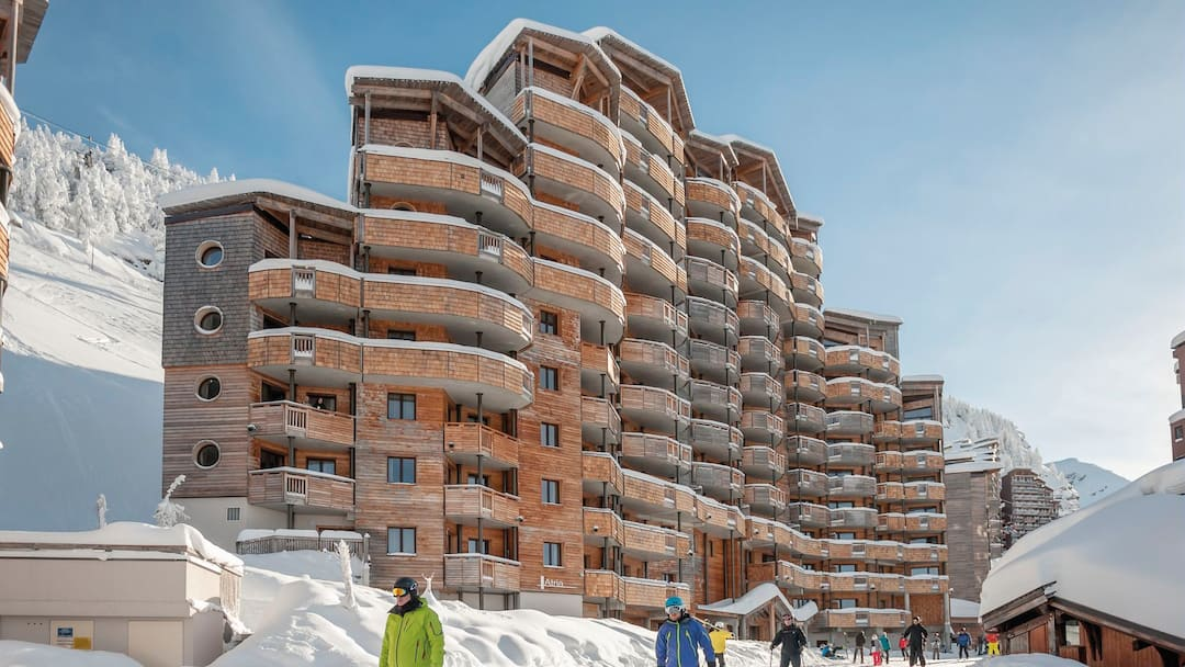 🇫🇷AVORIAZ 3 night package from £449pp 🧳Flights+Transfers+4*Apartments 👍Ideal for friends or family (4 sharing) ✅ATOL protected ✈️Depart Gatwick 4-Jan-21 ⏩https://t.co/5AwWGgGEaw 📧david@eyelinetravel.co.uk📞020 8123 2569 #WeWillSkiAgain #Skiing #Snowboarding #WinterIsComing https://t.co/SZeUZC09ua