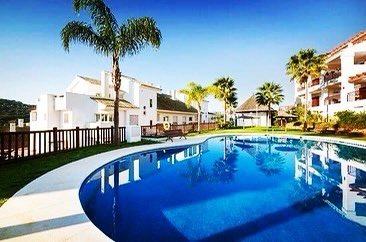 LA ALCAIDESA... a few minutes away from Sotogrande a beautiful refurbish apartment ..265.000 #costadelsol #makelaar #seaview #realestate  #rentalproperty #realestateagent #luxuryhomes #golfing  #luxurylifestyle #beach #golfer #sun #familytime #investing #dreambig #spain #golf https://t.co/T6ldYEJ76o