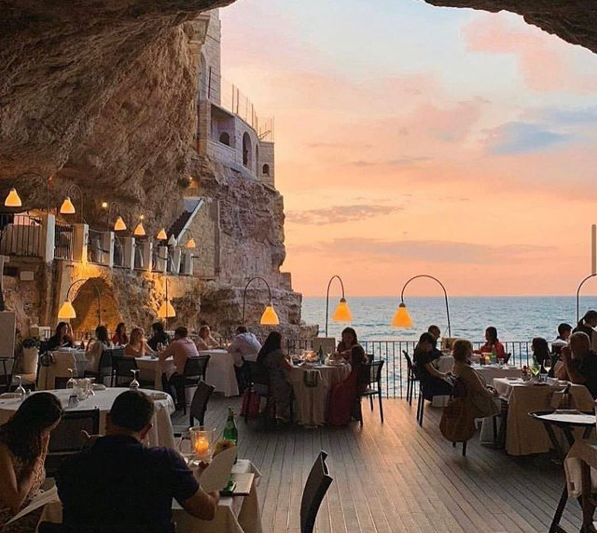 Obsessed with this view! I will have to take a trip to Ristorante Hotel Grotta Palazzese after quarantine is over!! Where are you ready to go?? . . . . #community #travel #realestate #realestateagent #lovemyjob❤️ #realtor #realtorlife #expproud #robins_real_estate #folsomlake https://t.co/hrT8tJQepf