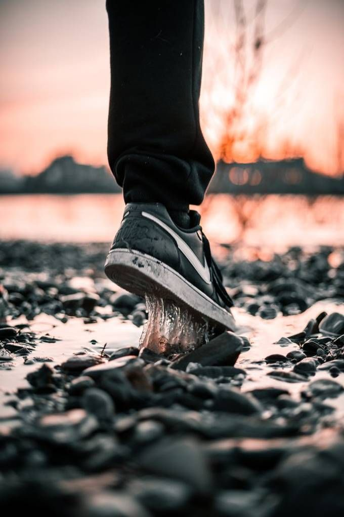Community Spotlight: 'Running by the river at sunset' by Sebastian_poc SONY ILCE-7M3 Aperture f/1.8 ISO 200 https://t.co/wxKyEn4EIq https://t.co/S0fSbr2xBJ