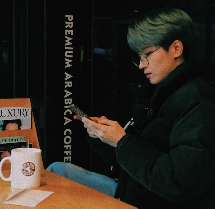wonwoo is the type of boyfriend who always play games with you, driving around town, singing you songs, always takes you to a coffee date, takes a picture of you, goes to a trip and have a deep conversation, give u love and cuddles. okay stop imagining@pledis_17pic.twitter.com/70GbwdczUB  by ً