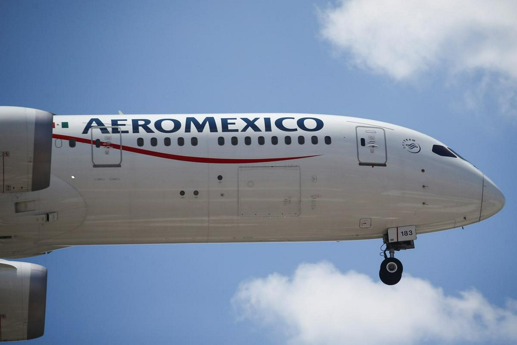 Aeromexico shares rise for second day despite missed debt payment https://t.co/WwJ8ABJhPg https://t.co/ApTlYlOK2H