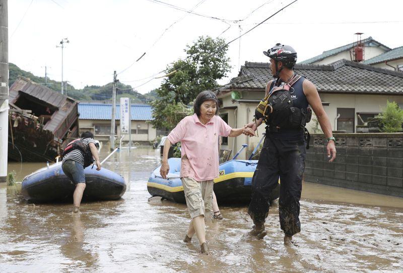 Fuertes lluvias en Japón provoca la desaparición de cientos de personas