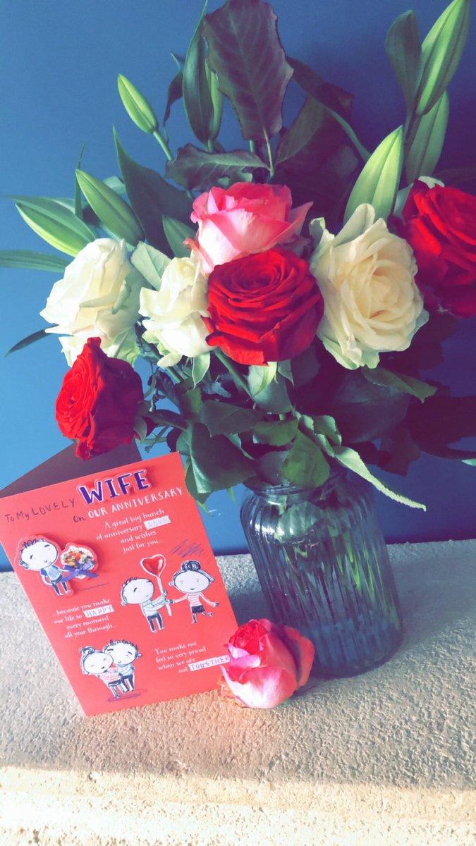 Anniversary Flowers, 11years married, 14 years together @SteBowley #marriage #love #roses #husbandandwifepic.twitter.com/kUVOkElP29