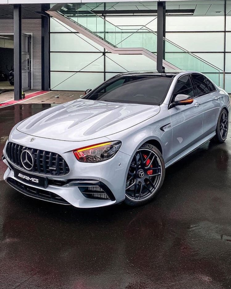 New Mercedes E-class<br>http://pic.twitter.com/THcz4LHCLt