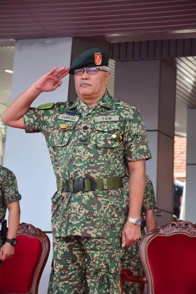 PORT DICKSON, 4 Julai 20 - Perbarisan Tamat Latihan Perajurit Muda (PM) Lelaki Siri 191/19 telah berlangsung di padang kawad Pusat Latihan Asas Tentera Darat (PUSASDA), Port Dickson dan disempurnakan oleh Panglima Tentera Darat (PTD), Jeneral Datuk Zamrose bin Mohd Zain. https://t.co/vWnv8khs7q
