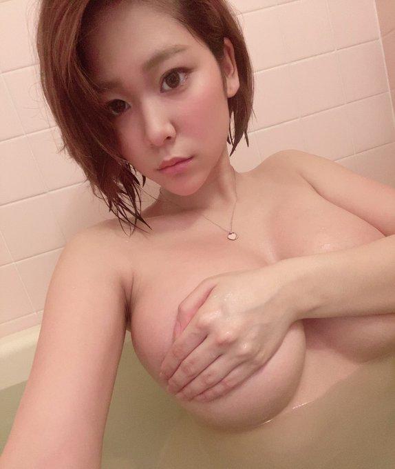 グラビアアイドル高杉杏のTwitter自撮りエロ画像3