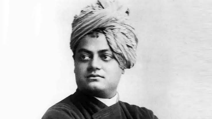 """""""Arise, awake, and stop not till the goal is reached"""" Swami Vivekanand ji   Nation pays homage to an icon who has inspired generations.  #SwamiVivekananda #SwamivivekanandJipic.twitter.com/ZpqSV4gssz"""