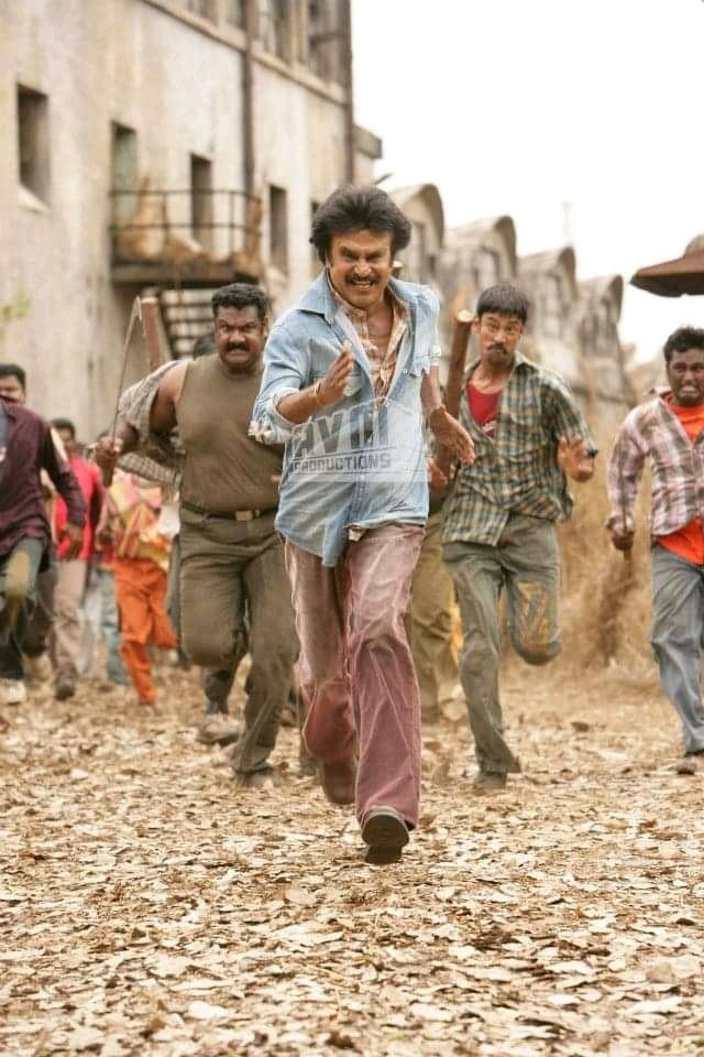 "#Singapore All Time Record of 147 Days for an Indian Film (Golden Village Cinemas) #Oman All Time Record of 125 Days for an Indian film (StarCinema) ""SivajiTheBoss""  #STELLARLeaderRajini @rajinikanthpic.twitter.com/akSJsoLPOp"