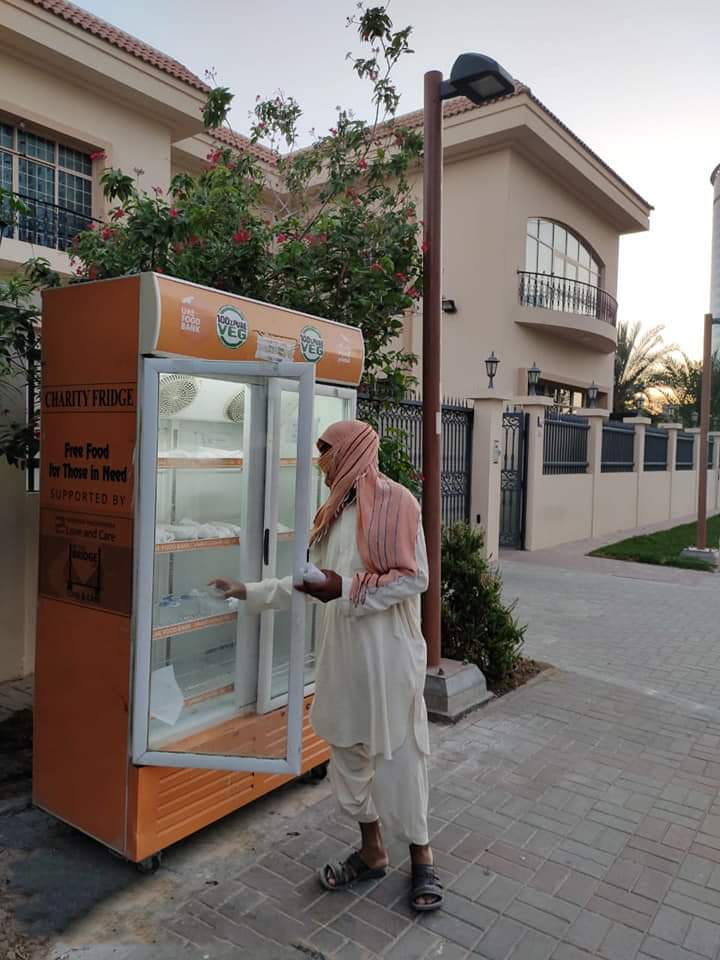 Jain volunteers of Shrimad Rajchandra group have set up 'Charity Refrigerators' in Dubai, Sharjah&Abu Dhabi to supply food items & essentials free of cost to unemployed labourers & daily wage workers. Earlier,Royal family had praised Jains for this initiative.  @LadyVelvet_HFQpic.twitter.com/i8rD8K2mrl