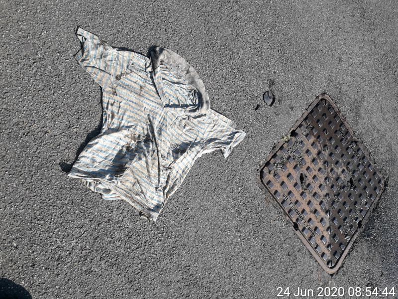 You wouldn't believe the things our waste team find in our sewers. Jonathan came across a rugby top in Ammanford and we're wondering how that got in there.  Sewer misuse can cause flooding and pollution in homes and the local environment. Put your rubbish in the bin. https://t.co/0qlfIqK9Rw