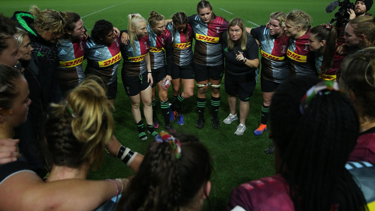 🗣️ Caption competition 🤔 What is @karenrfindlay telling her troops at The Stoop here? Go! #COYQ