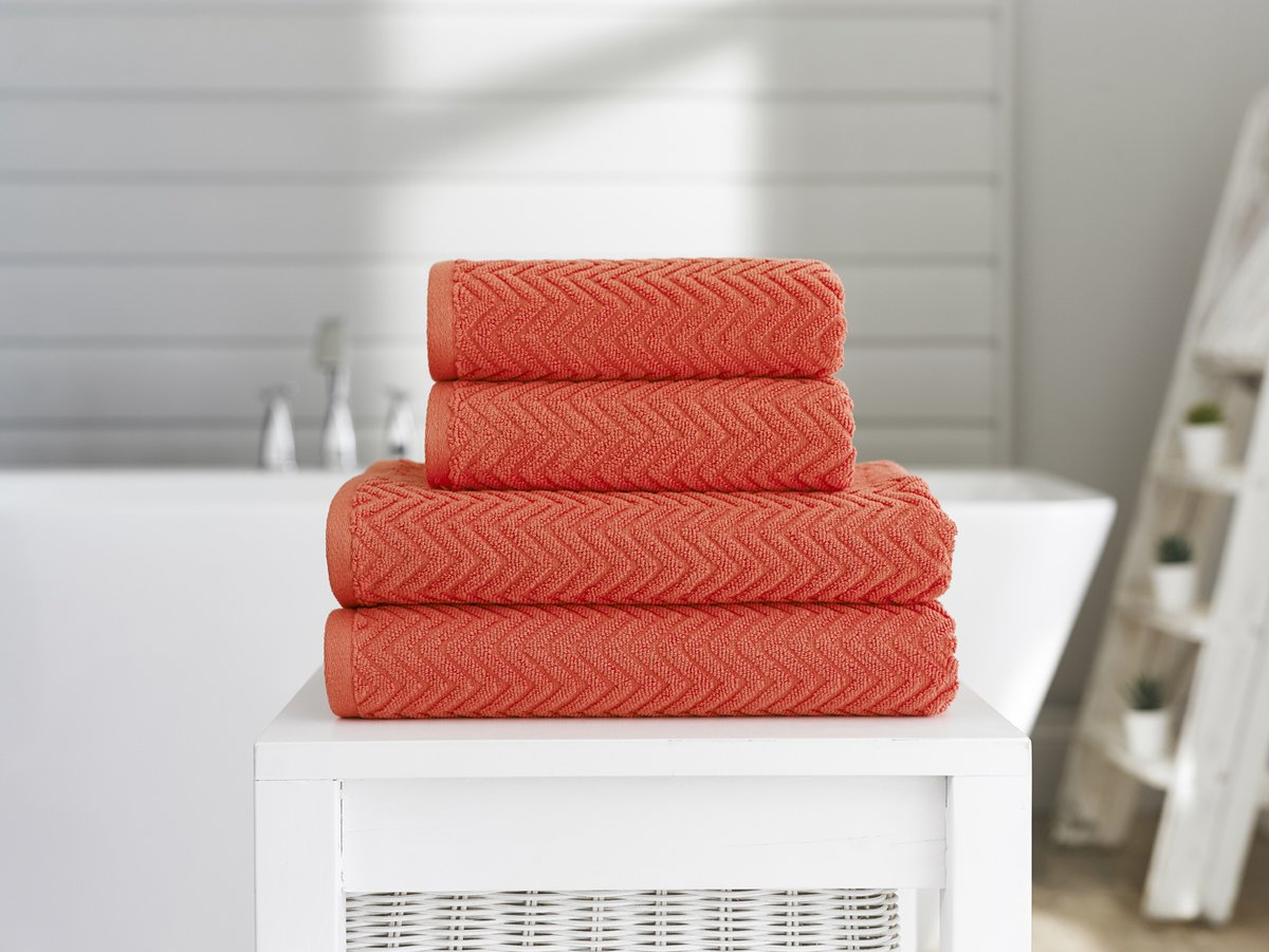 Get 65% off in our Summer Sale currently on! Choose from over 36 colours of towels to suit any bathroom! Have a look for some extra bargains in our Warehouse Clearance too!   #shopping #shop #discount #lifestyle #instalove #interiordesign #homedecor