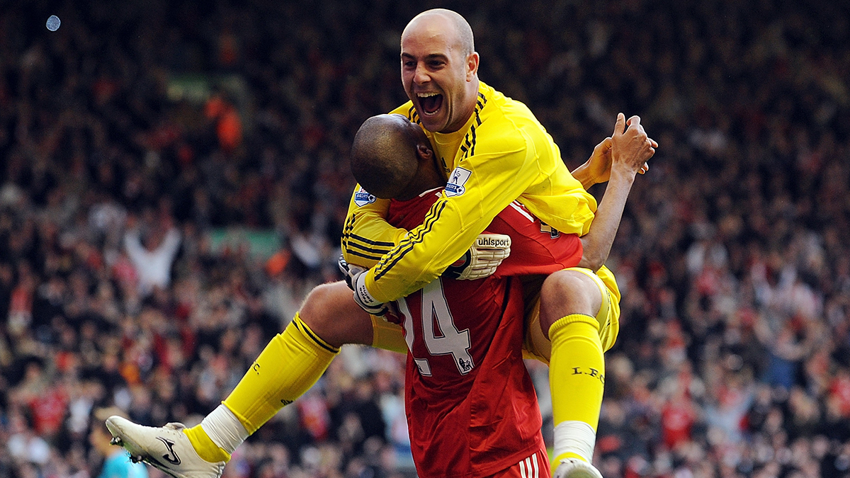 #OnThisDay 15 years ago, @PReina25 joined the Reds <br>http://pic.twitter.com/3cjY8JodtH