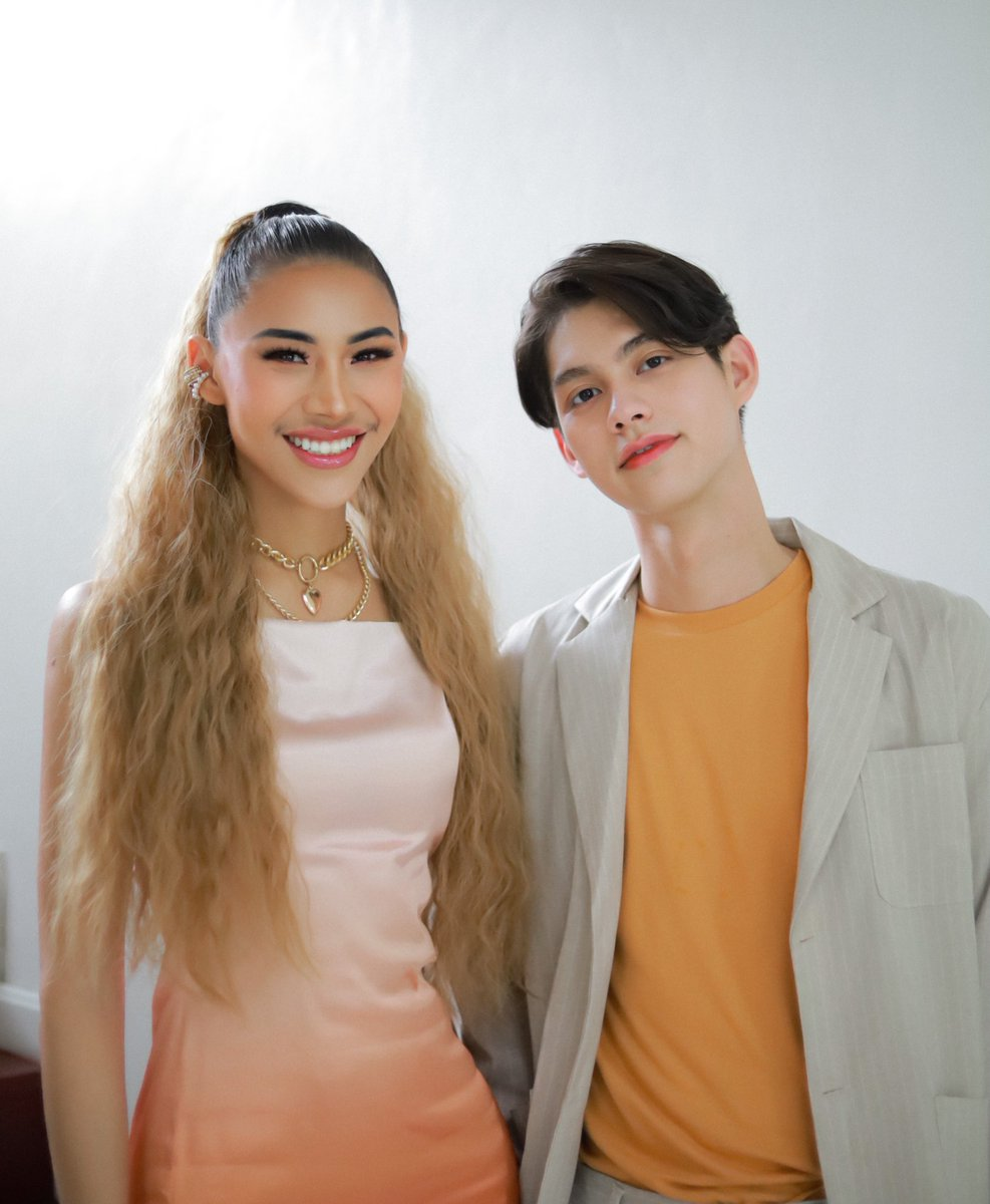 i am so grateful for merci. the pictures are beautiful,the vedio is good,and after bright say he want to be on the screen because of the presrntation,then,merci did it.  #MercixBrightxฟลุ๊คกะล่อน<br>http://pic.twitter.com/nPQgRtIG69