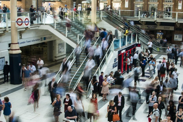 Photo By Free-Photos | Pixabay   #london #underground #trainstation #underground #loteria #business #businesstravel #viajero #viajeros #londontravel #commuters https://t.co/iix3IJrxfG