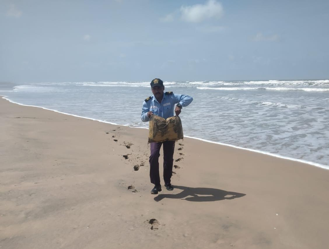 Indian Coast Guard recovers 24 packets of Charas from Kadiyari beyt near Jakhau in Gujarat