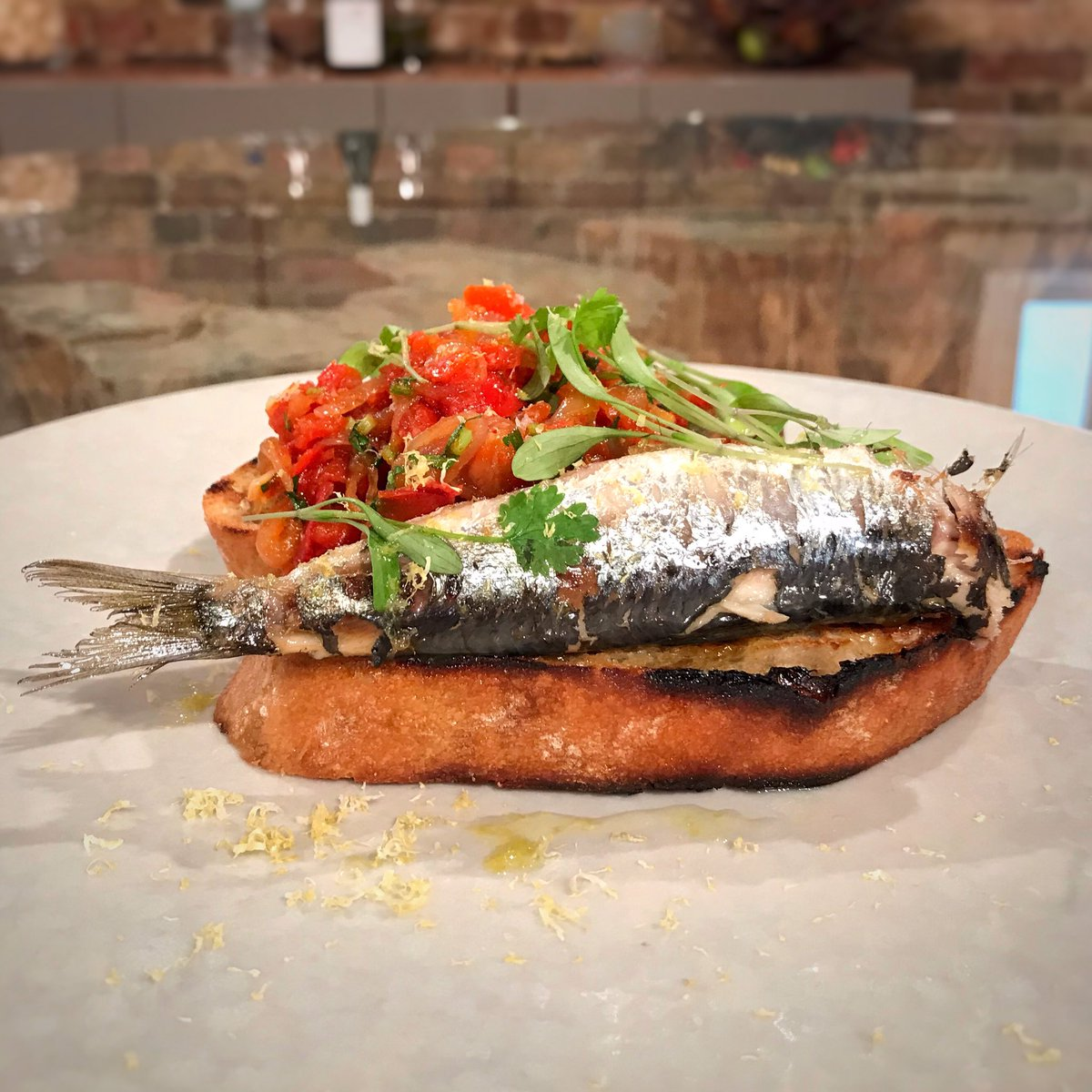 Sardines on toast!  If you fancy making Jason's confit sardines with piperade and chives, find the recipe here: https://t.co/SL4d5CVqOg   #SaturdayKitchen #JasonAtherton https://t.co/IIBBGFgVko