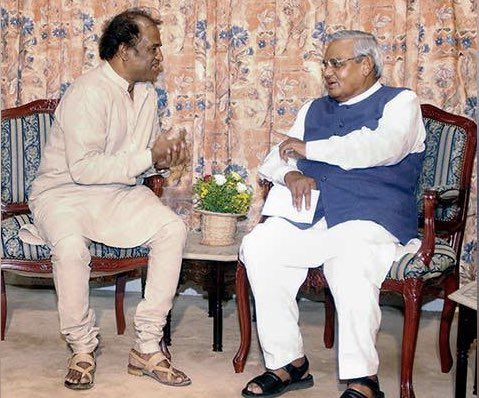 Rajinikanth maintained good friendship with Shri. Atal Bihari Vajpayee, one of d Best PM of India. His experience in Politics is more than  the age of 2K Kids. Respect all over India   @rajinikanth    #STELLARLeaderRajini<br>http://pic.twitter.com/J3KJvSEXl6