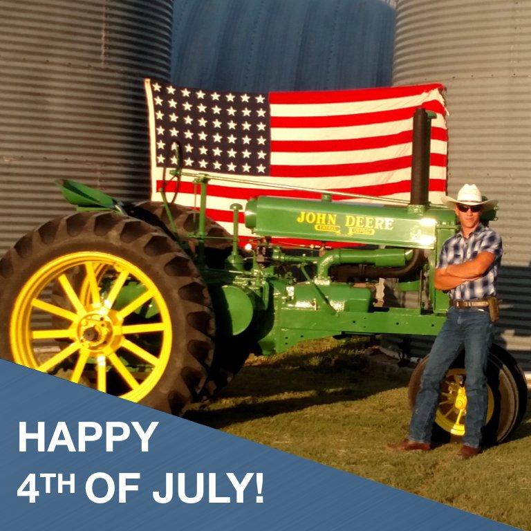 Wishing everyone a safe & healthy #4thofjuly! #2020DeloTRC #tractor #Restoration #Vintagetractor #Vintagetractors #Tractorrestoration #Tractors #Antiquetractor #Tractorlife #Tractorlove #farm #farming #farmer #farmmachinery #classictractor #oldfarmtractorpic.twitter.com/W83obiZnaq