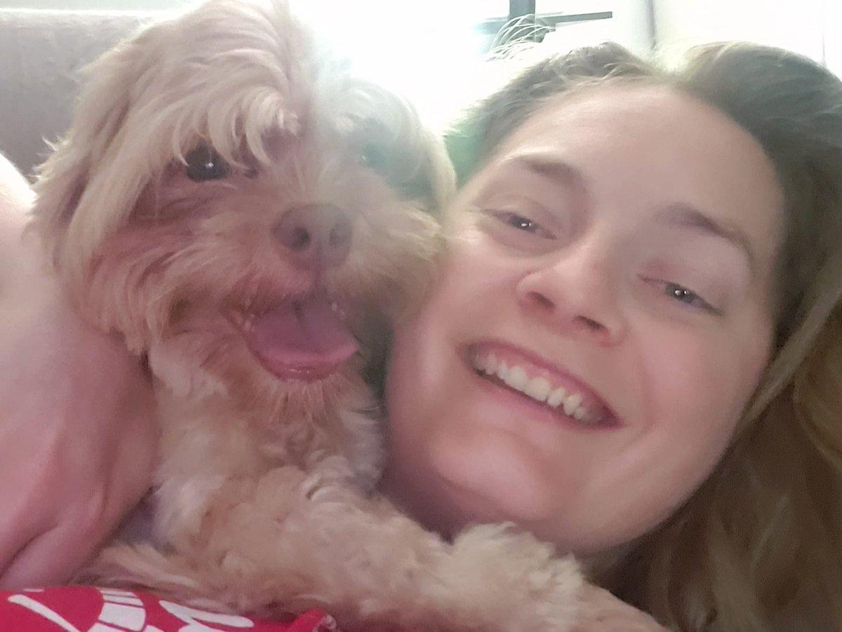 Joey the Muppet loves his morning snuggles #muppetdog #snuggles #dog #doggo #doggy #dogphoto #dogselfie #selfie #sundayvibes #sundays #sundaymornings #sundayselfie #sundaysnuggles #happydog #dogsmilepic.twitter.com/sYHuz5S7Yn