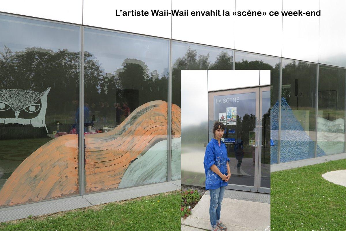 """ça se passe au @MuseeLouvreLens l'artiste Waii-Waii """"envahit"""" la scène #parcenfete20 et c'est tout le week-end!!!"""