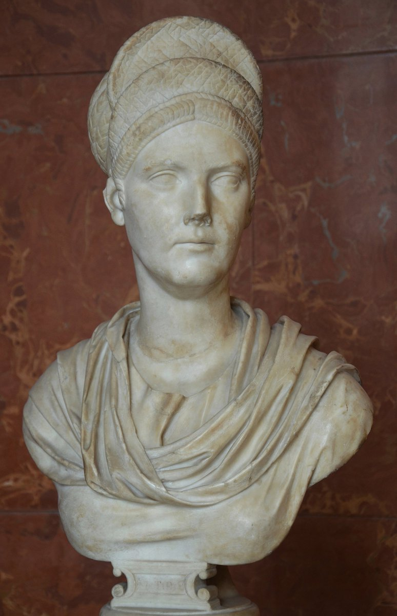 Happy birthday to Hadrian's beloved mother-in-law, Salonina Matidia!  Learn more about Matidia on this blog post published last December on the occasion of the 1900th anniversary of her death https://t.co/0UPhCue3xe https://t.co/Th2PCR6cKe